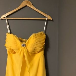 Dresses & Skirts - Long Formal Yellow Gown